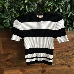 FOREVER 21 Stretchy Black & White Stripes Crop Top